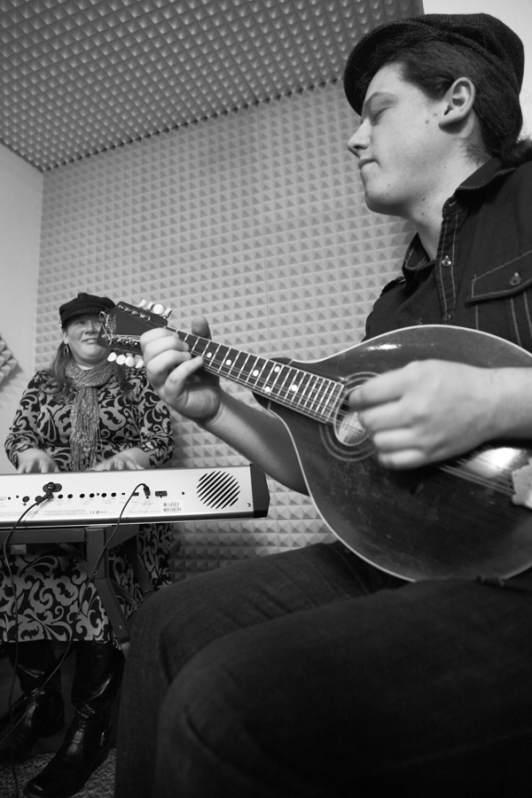 Boston-based band Nor'easter performs in the KUAC 89.9 studio Feb.1, 2013.